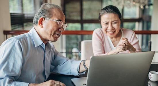 Ouderenkorting 2020, oud Aziatisch stel