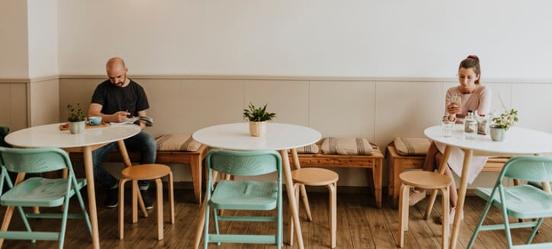 Social distancing in café