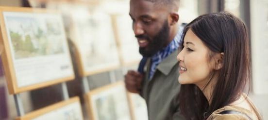 Man en vrouw willen een hypotheek in 2021 afsluiten
