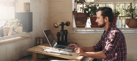 5 voordelen zakelijke rekening: deze man is overtuigd
